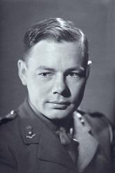 Herbert Gilbert a inventé le concept de la cigarette électronique en 1963, cependant, le projet ne fut pas l'objet d'une commercialisation à cette époque